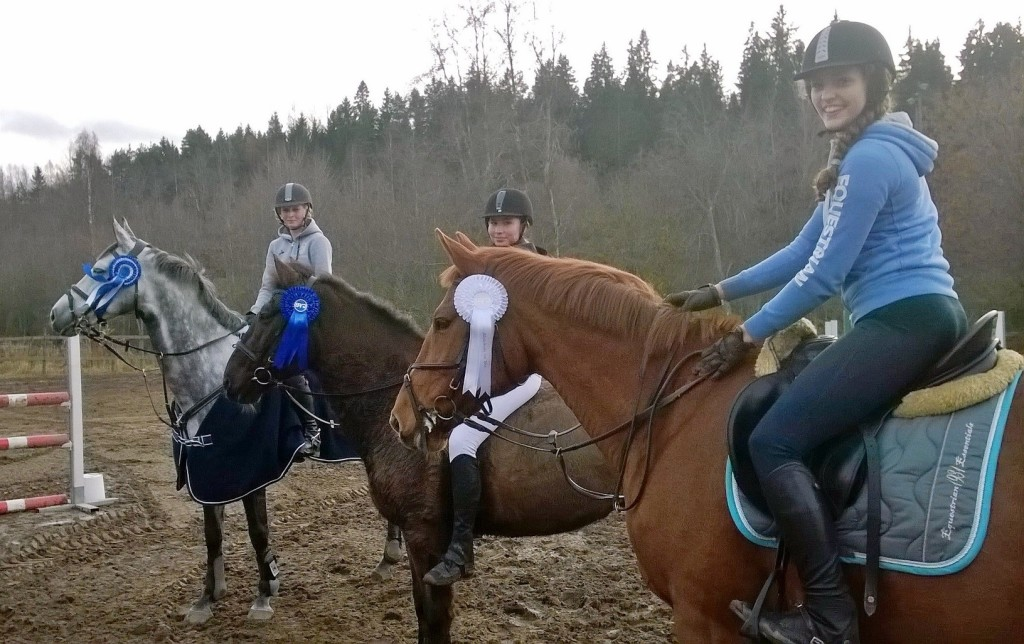 Billnäs Hööks cup kärkikolmikko 2015: Annika Huuskonen (Amber Z), Aura Juola (Ruubik), Maria Hellberg ( Paulien L)